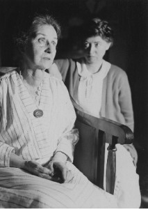 Photo of Marianne Moore and her mother